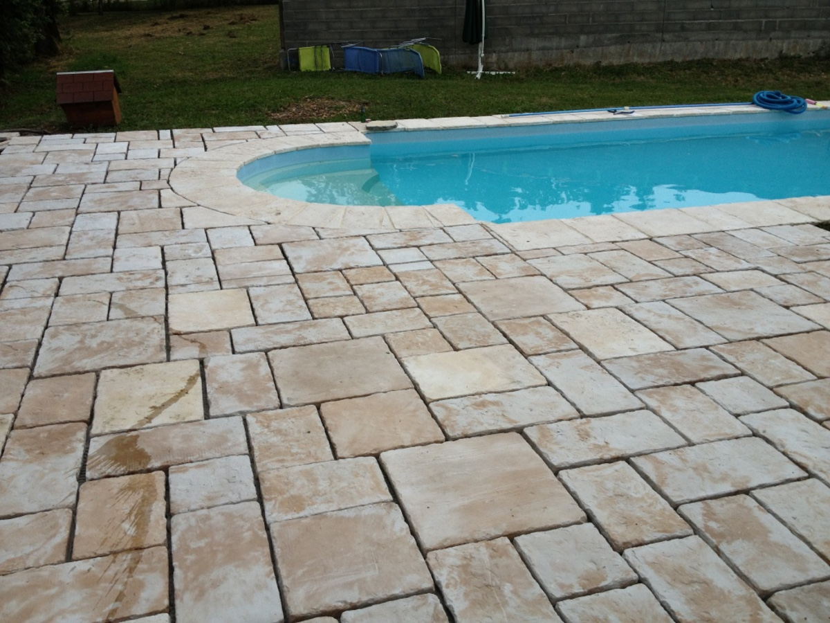 Am nagements acc s et all es ext rieurs et am nagements for Construction piscine haute garonne